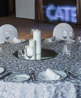 Наперон серый с узором в аренду для любых форматов мероприятий